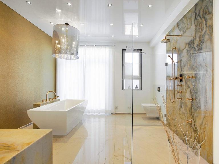 Натяжные потолки в ванной: плюсы и минусы рисунок 704
