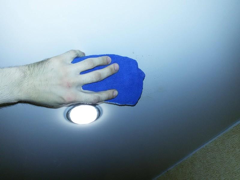 Как мыть натяжные потолки рисунок 694