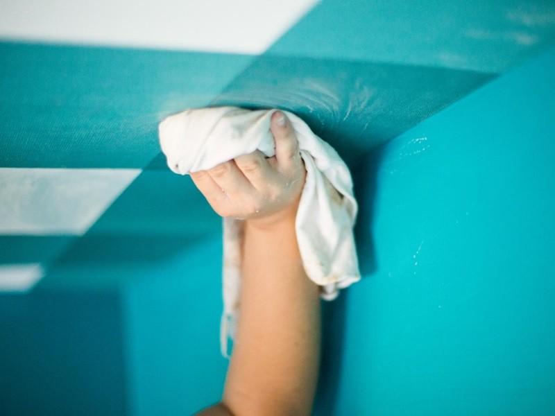 Как мыть натяжные потолки рисунок 695