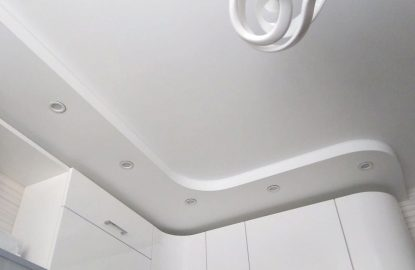 Матовые двухуровневые натяжные потолки рисунок 422